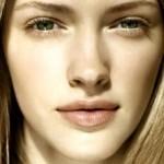Как привлекательно выглядеть без макияжа?