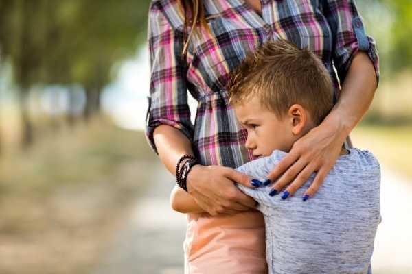 Болезненная привязанность ребенка к матери: возможные сложности