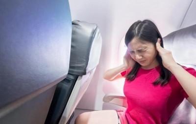 """""""Чебурашка"""": стюардесса рассказала, как помочь, если заложило уши"""
